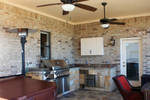 Outdoor Kitchen & Dining Area in Little Elm, Texas